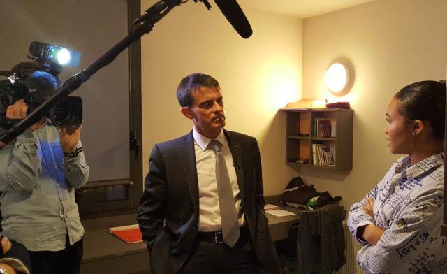 Manuel Valls à la rencontre des résidents ALJT