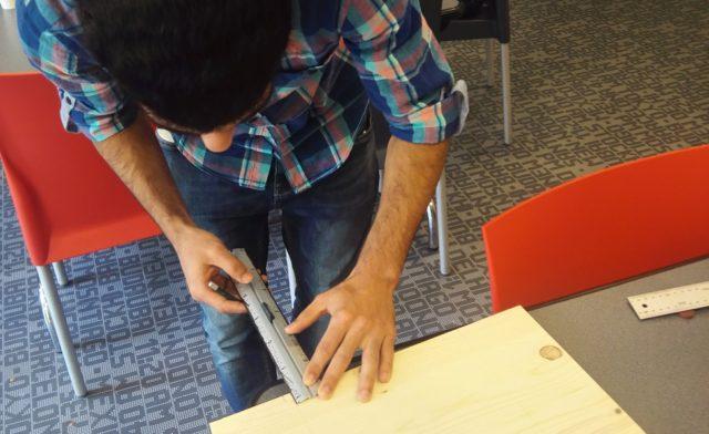 Printemps de la culture et des loisirs : les résidents du 20ème et du 12eme fabriquent des jeux traditionnels en bois